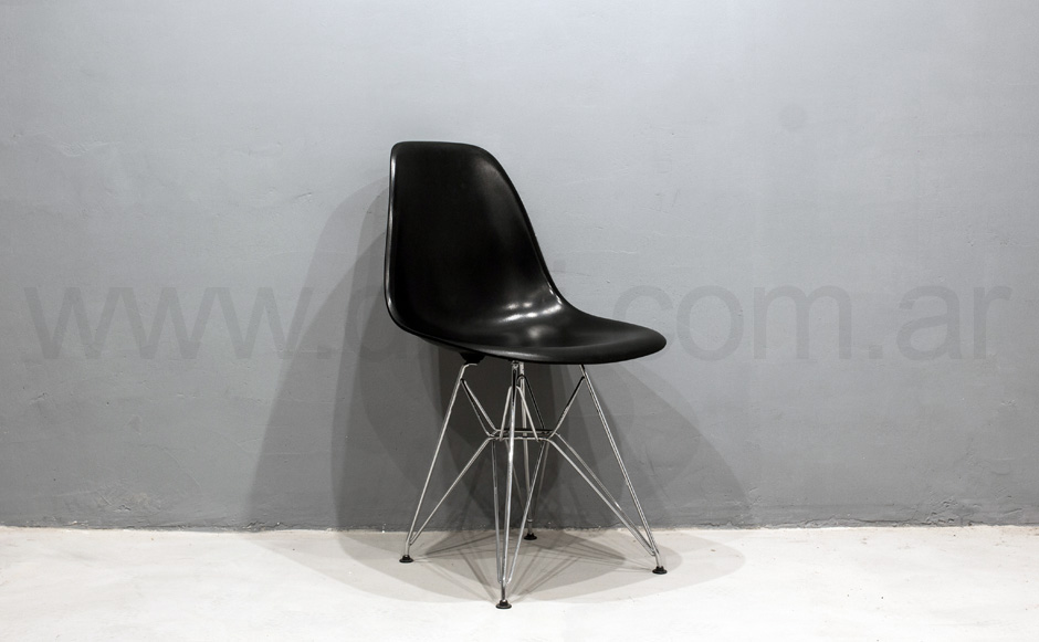Silla Eames. Base metálica