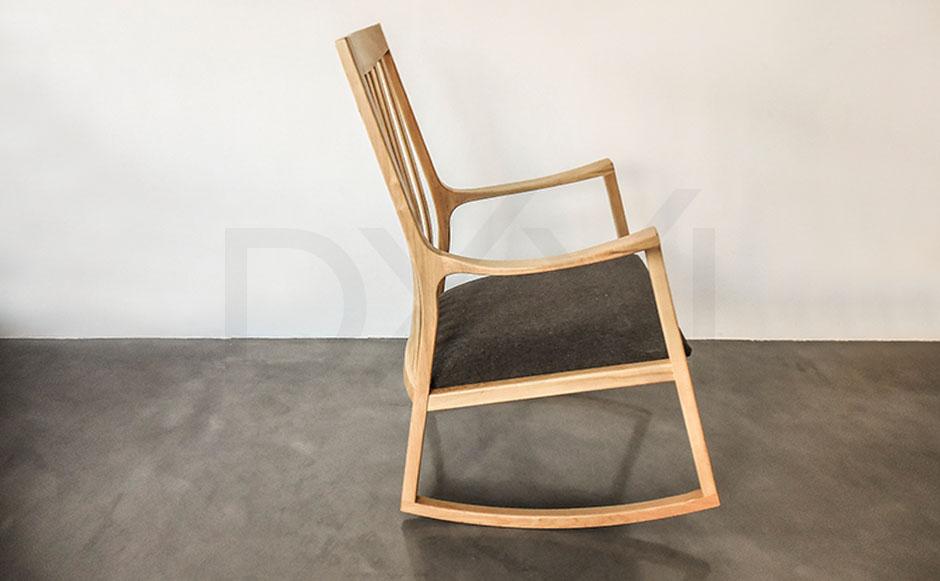 silla mecedora olsen con respaldo de madera 06