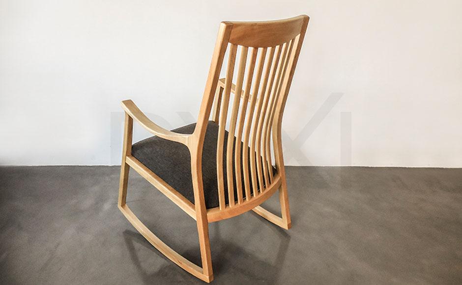 silla mecedora olsen con respaldo de madera 03