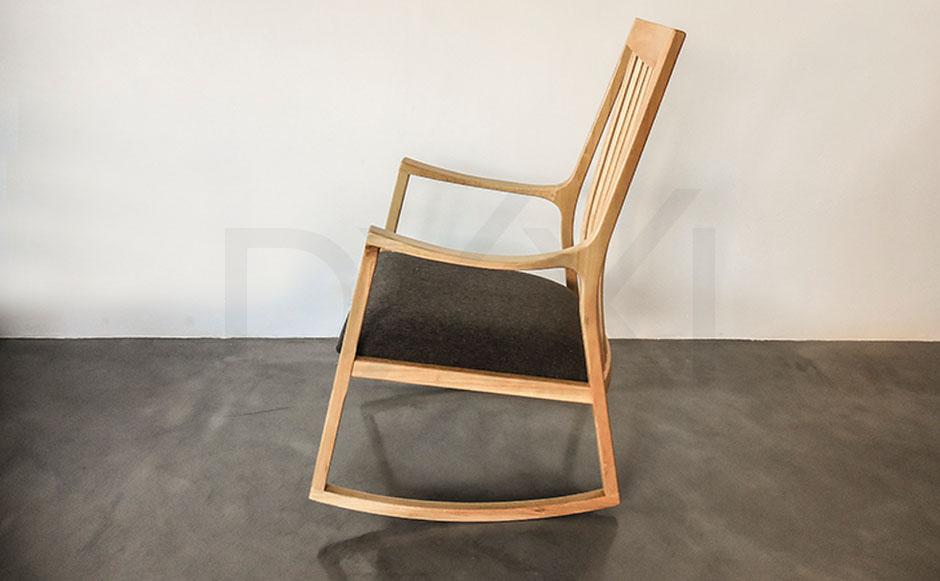 silla mecedora olsen con respaldo de madera 02