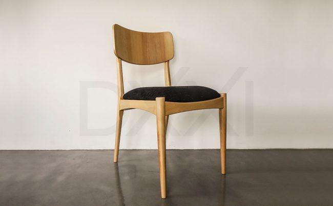 Silla Toro, Madera Guatambu DXXI Fabrica de muebles contemporáneos