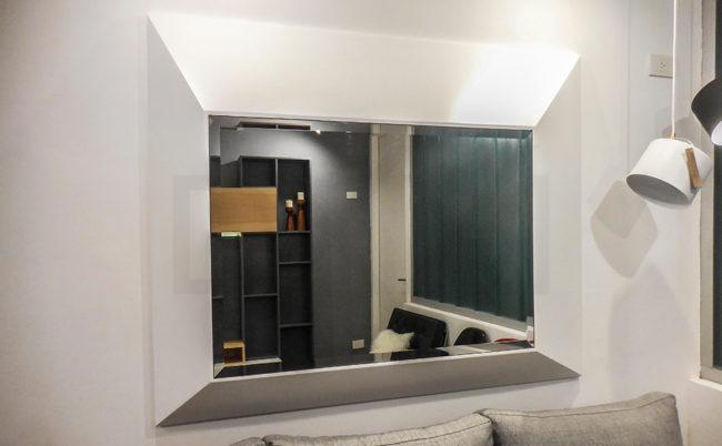 DXXI - Fábrica de muebles contemporáneos de madera y laqueados.